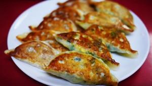 【激ウマ】宇都宮市民が「宇都宮より美味しい」と断言する『蘭州』の餃子が凄い!
