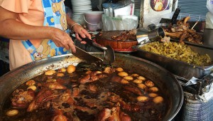 タイに行ったら絶対に食べるべき屋台料理 / たった60円のカオカームー