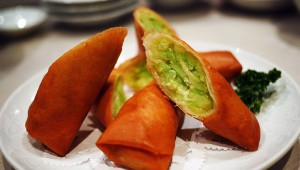 おそらく日本一美味しいキューリ春巻き / 中華料理店『峨眉山』