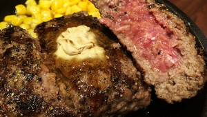 ステーキ屋『いきなり! ステーキ』が店舗限定で高級500gハンバーグ提供中! 価格2000円