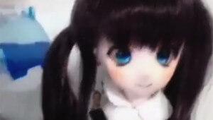【恐怖】生放送中に心霊現象が発生! 人形の目玉がギョロっと動く(涙目)