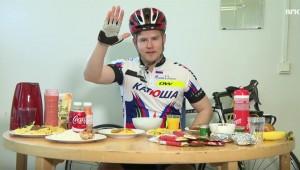【食いすぎ】ツールドフランス出場選手が食べる料理を食べてみた → 食べきれず吐く(笑)