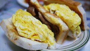 香港でしか食べられない香港人が愛する卵サンド / 嘉樂冰廳(Gala Cafe)