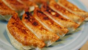 【激ウマ】創業昭和29年の餃子の大衆食堂「餃子の王さま」で「王さまの餃子」を味わう