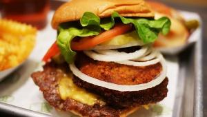 【激ウマ】シェイクシャックの店員が絶賛する一番おいしいハンバーガー「Shack Stack」が絶品