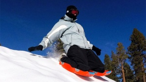 【革命】ついに座りながら滑る「正座スキー」の時代キタアアアアアアアアアア! 2016年は大流行間違いなし!