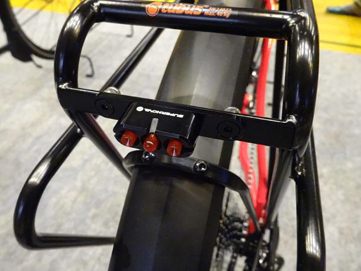 自転車の 自転車 スマホ 充電 : ... スマホを充電できるUSB端子付き