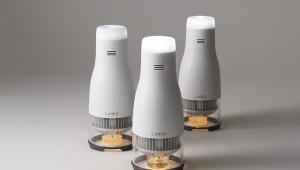 【科学革命】ロウソクに火をつけるとライトが光る画期的なランプがスゴイ!