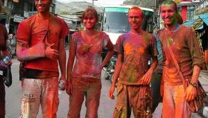 ネパールのカラフル祭り「ホーリー」が素晴らしい件 / 街も人もアートになる日