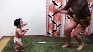 【衝撃】2歳児のバンビーノ「ダンソン」がYouTubeで絶賛 / 視聴者「あまりにもシュールで可愛すぎる(笑)」