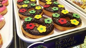 タイ王女の誕生日を祝い「クリスピークリームドーナツ」が限定ドーナツ販売 / 驚くほど絶品