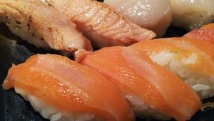 【正直グルメ批評】威圧的な接客と低レベルな寿司が不快だった「神楽坂すしアカデミー」が改善 / 食べ放題の優良店に