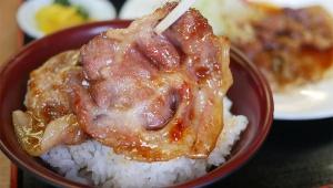 【衝撃】石川県小松市に伝説の昔ながらの「みなとや食堂」が存在! 昭和なオバチャンが24時間営業! マッサージも可能なカオスっぷり