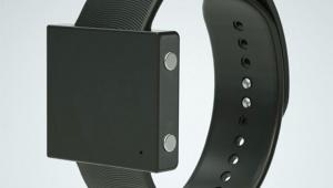 【革命】腕時計のように身に着けるウーファーが凄い! どこでも本格的な音楽を楽しめるぞ