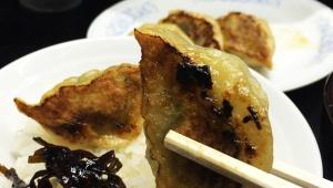 餃子マニアが大絶賛 / 歴史ある「名前のない餃子屋」で食べる焼き餃子 / 十数年前は「名前のないラーメン屋」