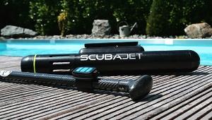 【革命】持ち運びできる携帯ジェットエンジン「SCUBAJET」が凄い! 持てばエンジン推進で泳げるぞ(笑)