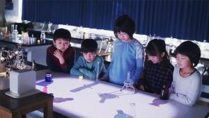 【特許技術】日本のソニーがやってくれました! 至近距離から投写できるポータブル超短焦点プロジェクター「LSPX-P1」が凄い