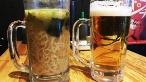 【革命】ビールのようにラーメンを食べる「ジョッキラーメン」が大人気! ごくごくラーメンを飲め!