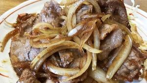 絶品牛丼の老舗店に隠された逸品 / なんどき屋「豚バラ生姜焼き定食」に癒やされる