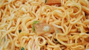 【激ウマ】有吉弘行の食べたペヤングがマジでウマい!! 寝起きにサッパリ食べたいペヤング