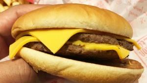 【衝撃】マクドナルドを初めて食べたときの感動は異常! あまりにも美味しすぎてチーズバーガー1日10個食べた