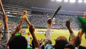 【激論】スポーツ観戦客が語る! 野球がサッカーよりも圧倒的に優れている8つのポイント