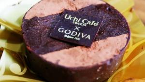 【極上スイーツ】発売前レビュー! ローソンがGODIVAと共同開発したショコラクッキーサンドと濃厚ショコラケーキが激しく甘美な件
