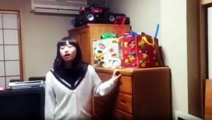 【衝撃動画】反抗期の女子高生が彼氏とのデートにピンクのブラジャーをつけていきたいが母親が洗濯してしまい大ケンカ