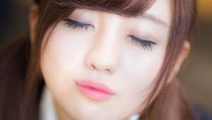 【衝撃事実】女子の約35%が彼氏が寝てる間にキスしている事が判明 / 男子は25%がキス