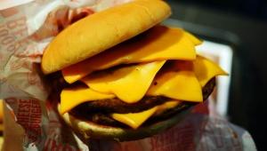 【最強グルメ】マクドナルド新型ダブルチーズバーガー発売決定か / 4段重ねのクワトロチーズバーガーか