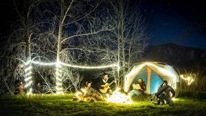【絶景】太陽光充電でテントを自由にデコレーションできるLEDチューブライト REVEL LIGHT