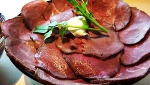 【激ウマ】肉だらけローストビーフ爆盛り濃厚つけ麺が凄い / ラーメンユーチューバーSUSURUが食べる「頑者NEXTLEVEL」