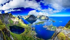 【絶景】旅行者が「地球上でもっとも美しい村」と絶賛されるレーヌ村が絶景すぎる件