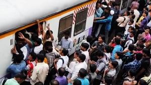 【地獄】世界一混雑する通勤列車の動画がヤバイ / 混みすぎて会社に行けないこともあるハードモード