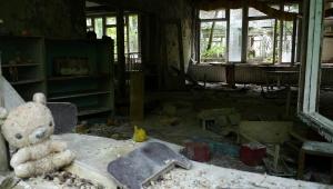 【潜入取材】チェルノブイリの病院と幼稚園と小学校に行ってみた / 放射性量が極めて凄い地獄ホットスポット