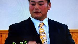 【衝撃】大相撲の朝日山親方がポプテピピックのネクタイでテレビ番組出演 / さりげなくポプテピピックファッションが流行中