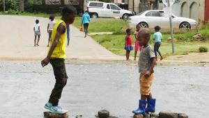 【感動】南アフリカ・ヨハネスブルグの現地の人の生活が見える街「ソウェト」を自転車に乗って観光してみた結果