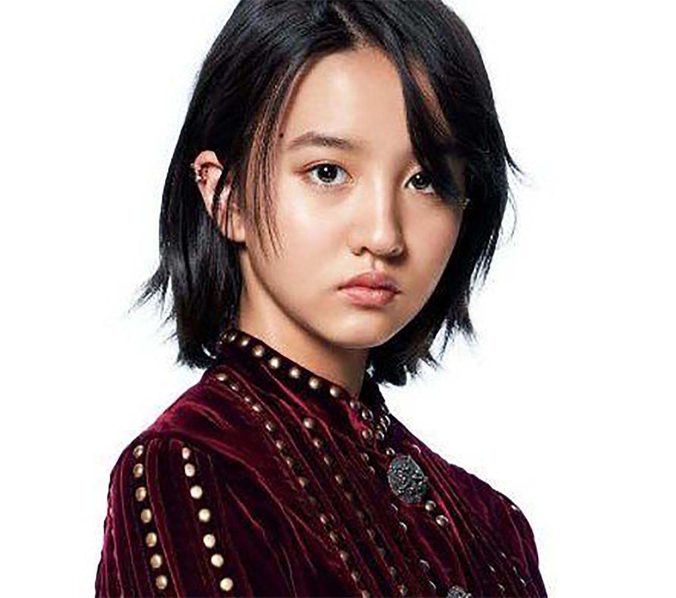 キムタクこと木村拓哉と工藤静香の次女であり、若干15歳にして人気ファッション誌『エル・ジャポン』の表紙を飾ったKoki(本名:木村光希)。作曲家としても活動して