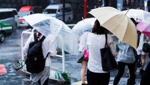 【緊急事態】台風の影響で会社が続々と「帰宅命令」を通達 / 帰宅命令出さない会社に不満の声「普通に残業させられてるんだが」
