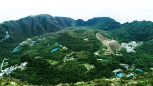 【ドローン絶景】伝説の青ヶ島で進入禁止の二重カルデラ撮影 / いまも遺跡が残るファンタジーアイランド
