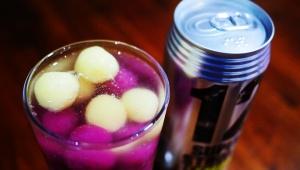 【革命グルメ】驚異のアルコール度12%チューハイ「スーパーストロングレモン」にアイスの実を入れると激しく美味しい件