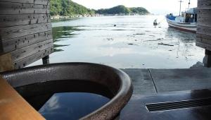 【世界の絶景ホテル】京都の海抜0メートルの舟宿・伊根町「風雅」が素晴らしすぎる件