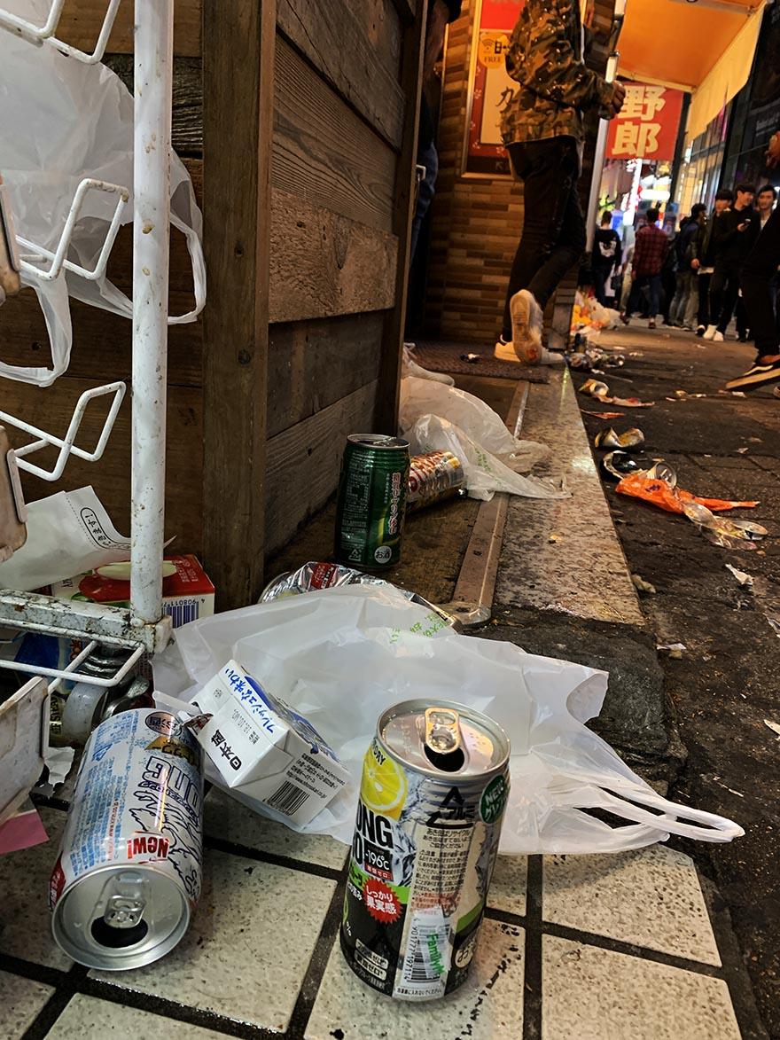 garbage-shibuya-halloween18