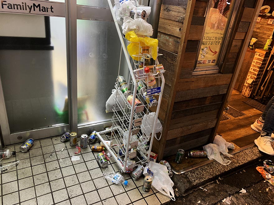 garbage-shibuya-halloween19