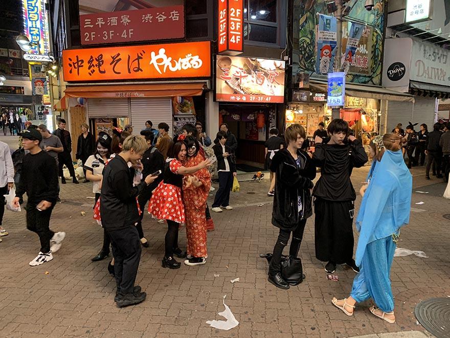 garbage-shibuya-halloween22