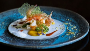 【贅沢】沖縄とフレンチの絶品コラボレーション / 星のや竹富島に新コンセプトの冬限定ディナーが登場
