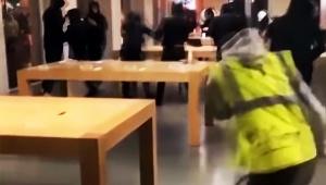 【緊急事態】アップルストアに暴徒が侵入 / iPhoneやiPadなど強奪する事件発生