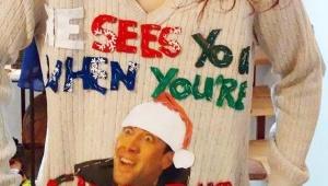 【衝撃】ダサすぎるクリスマスセーターで競い合う人たち / ジャンパーやトレーナーもダサい(笑)