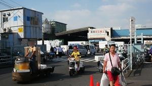 【悲報】築地から移転した豊洲市場で初の死亡事故発生か / ターレから転落した女性