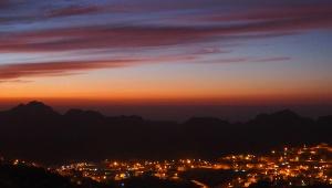 【ヨルダン】スルーされがちな絶景すぎる街「ワディムーサ」の素朴な魅力